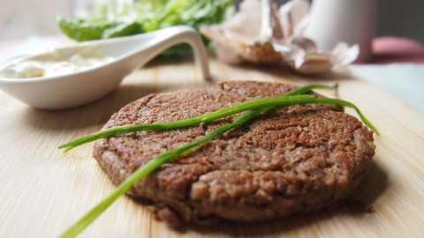 Lekker vega: paddoburger met truffelmayo