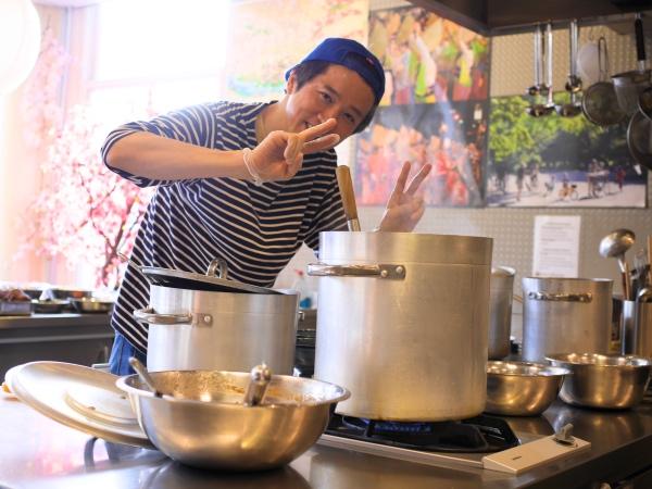Taka Zoku Shou Taka's Kitchen ramenrestaurant Jan Pieter Heijestraat