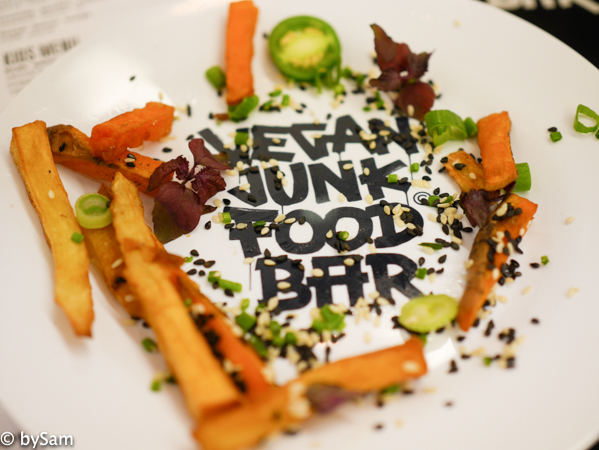 Vegan Junkfood Bar Amsterdam snacks
